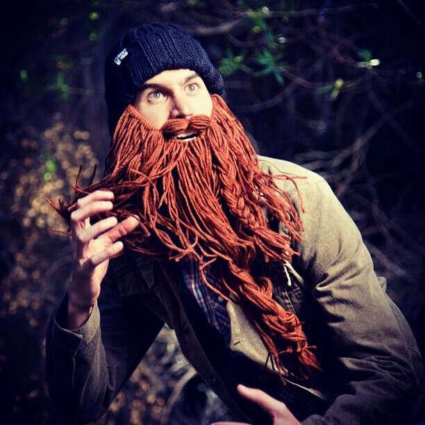 Шапка с бородой.