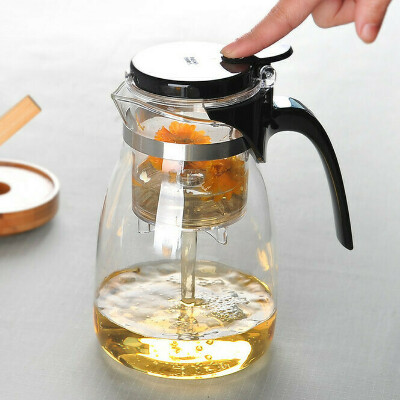 Заварочный чайник с кнопкой