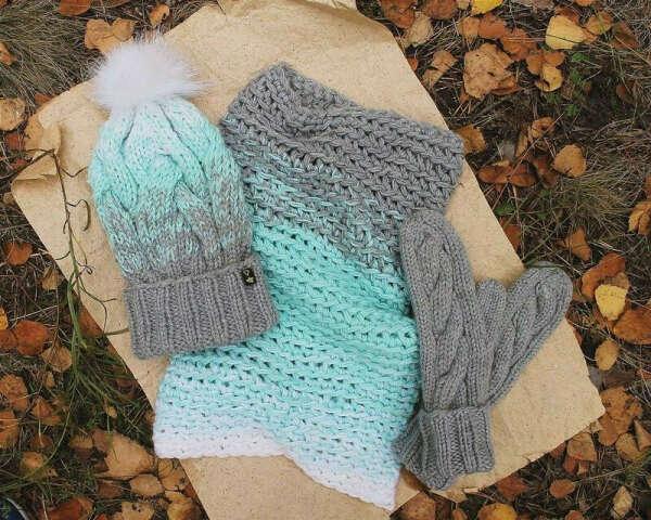 Нежный комплект варежки-шапка-снуд MyBooleboo