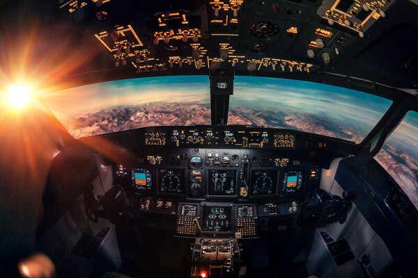Полетать на авиатренажере в качестве пилота