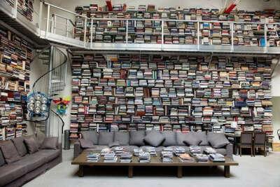 кучу книг