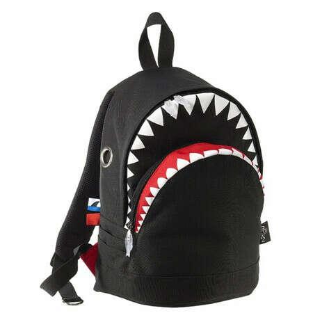 акула рюкзак