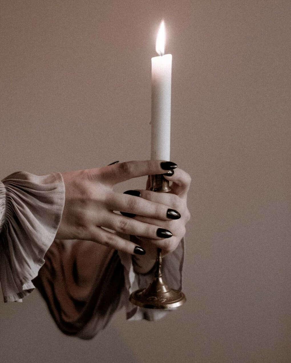 Заниматься литьем свечей