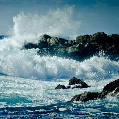 На море с волнами