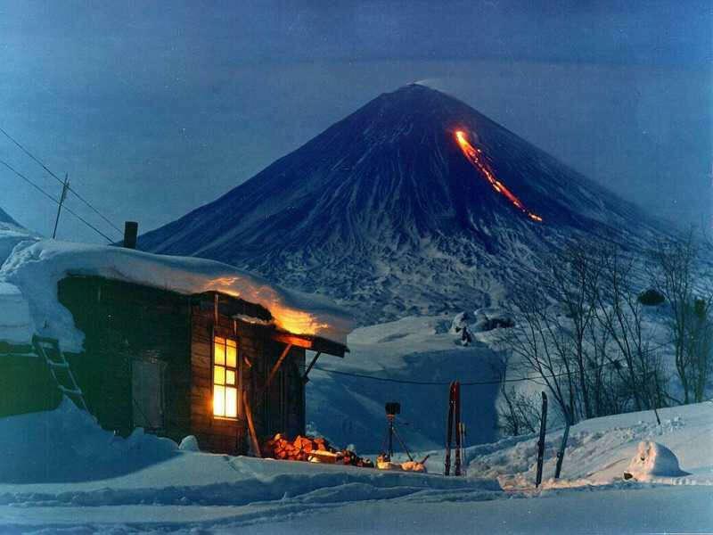 увидеть действующий вулкан