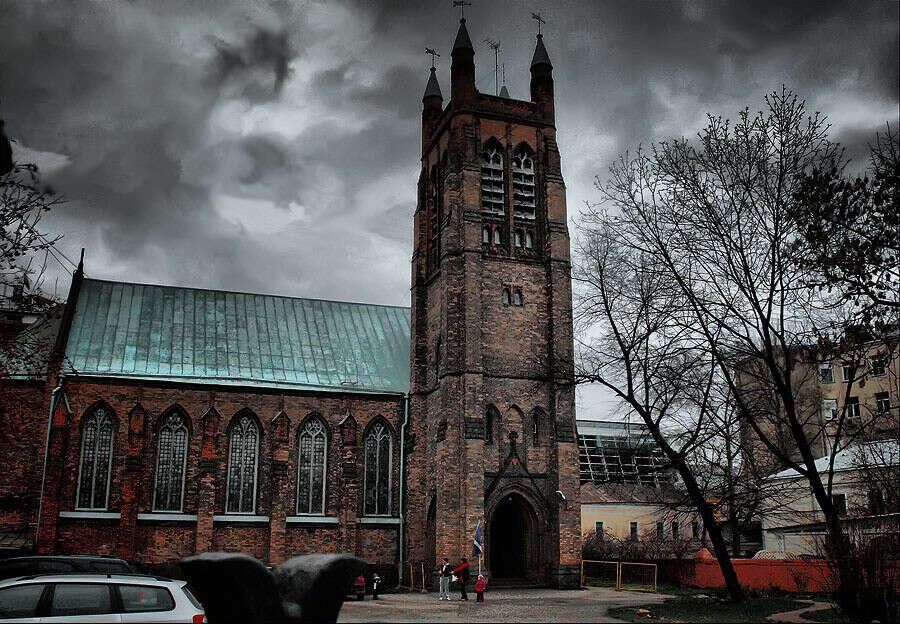 посетить англиканскую церковь