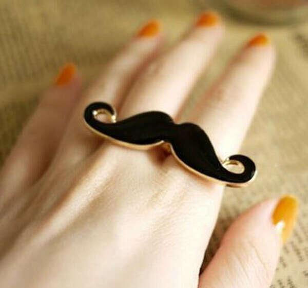 кольцо с усами:)