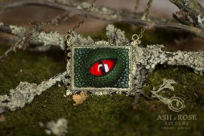 Украшение от Ash & Rose alchemy