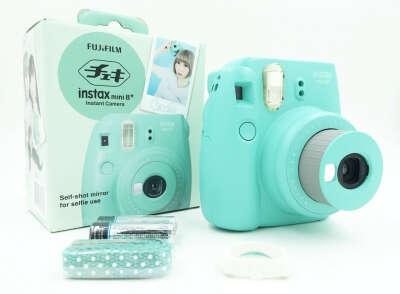 Полароид Fujifilm Instax мини 8