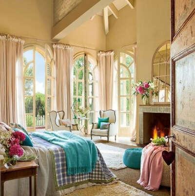 Комнату с панорамными окнами
