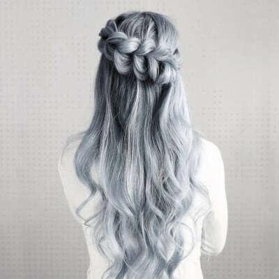 Покрасить волосы в пепельно-белый