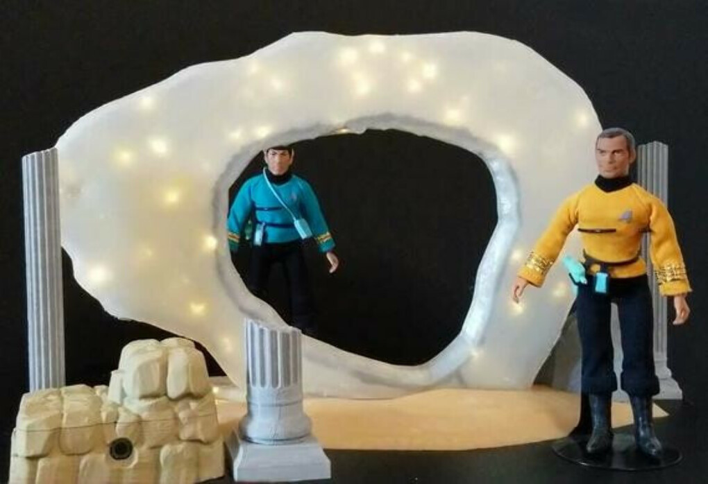 Star Trek TOS Guardian of Forever with Light & Sound 10 inches tall Completed