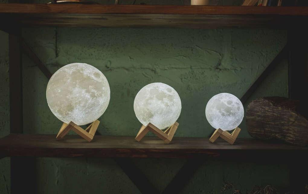 Интерьерные лампы MoonyLamp