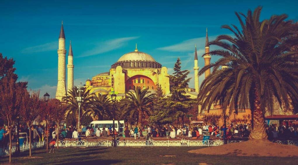 Посетить Стамбул