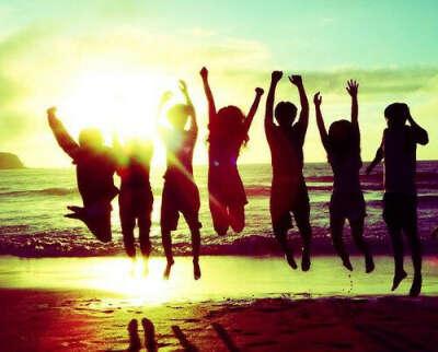 на море с друзьями без родителей