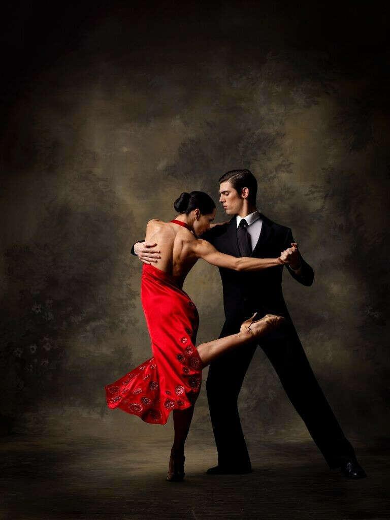 Абонемент на занятия танцами