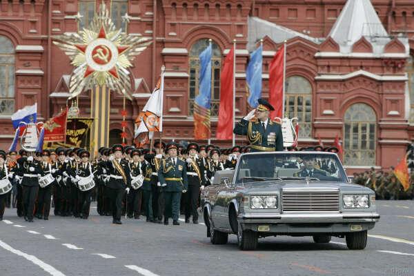 Посмотреть парад 9 мая с трибун на Красной площади