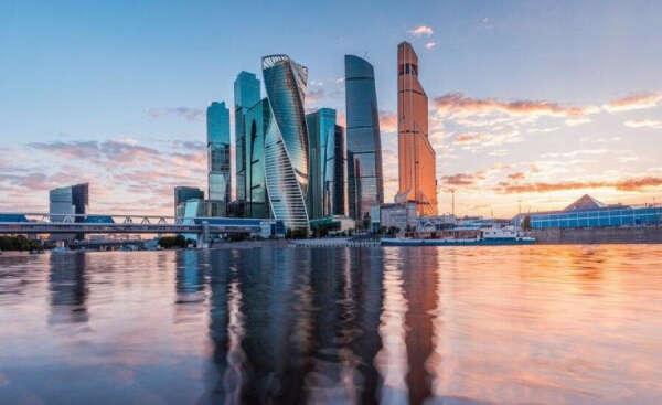 Сходить со мной на экскурсию по Москве