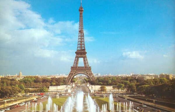 Поехать в Париж