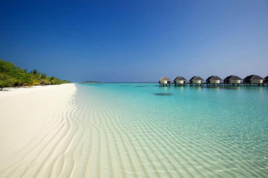 Поехать на Мальдивы