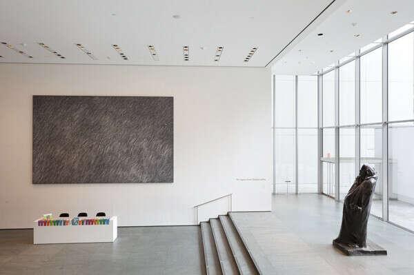 побывать в MOMA