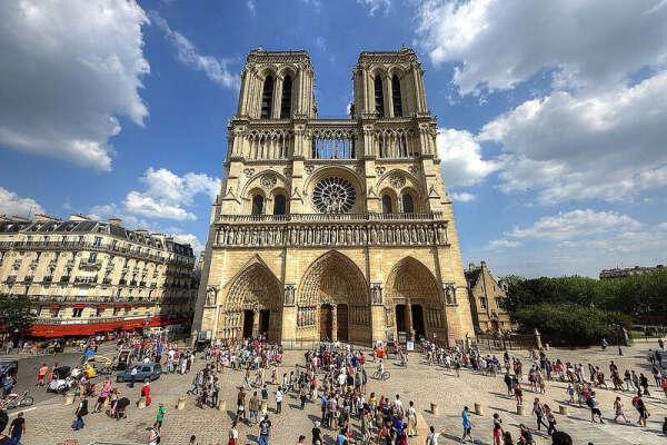 Посетить Собор Парижской Богоматери (собор Нотр-Дам-де-Пари)