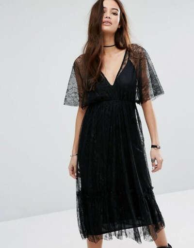 Кружевное платье миди с глубоким V-образным вырезом Pull&Bear at asos.com
