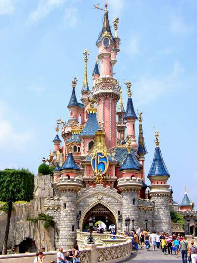 Посетить Диснейлэнд в Париже