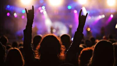 На рок-концерт!!!
