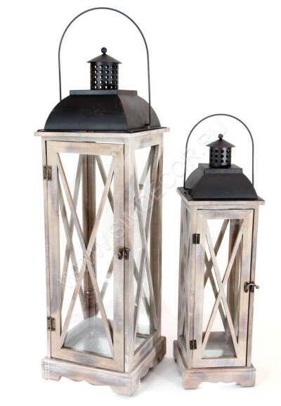 Высокие подсвечники-фонари (и к ним больше белые свечи)