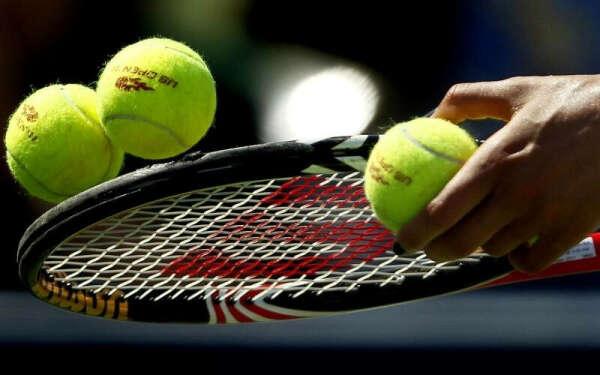 хорошо играть в теннис