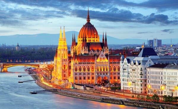 Прогуляться вдоль набережной Дуная в Будапеште