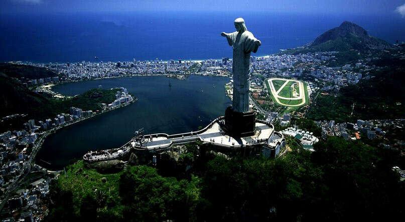 Побывать в Рио де Жанейро и сходить на карнавал