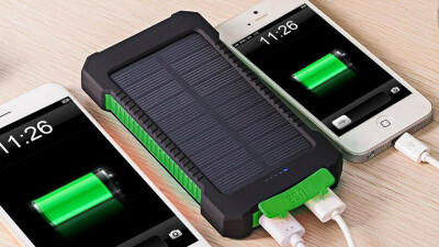 Пауэрбанк на солнечных батареях