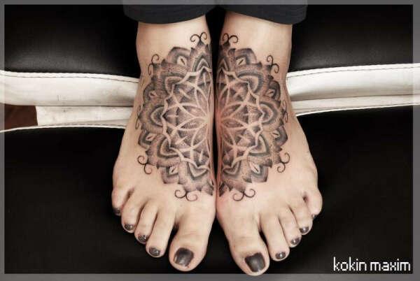 Татуировку на ногах