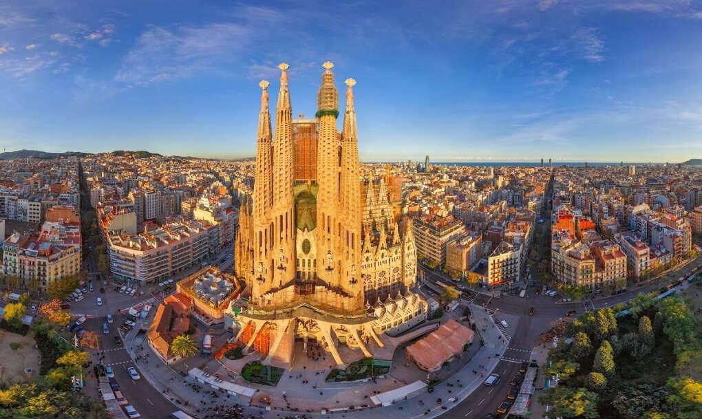 Поехать в Испанию
