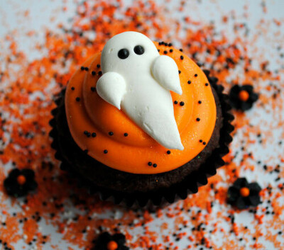 Make Halloween сupcakes