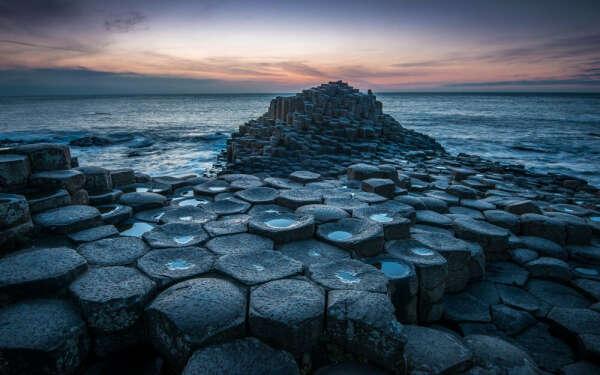 Пройти по тропе великанов в Северной Ирландии