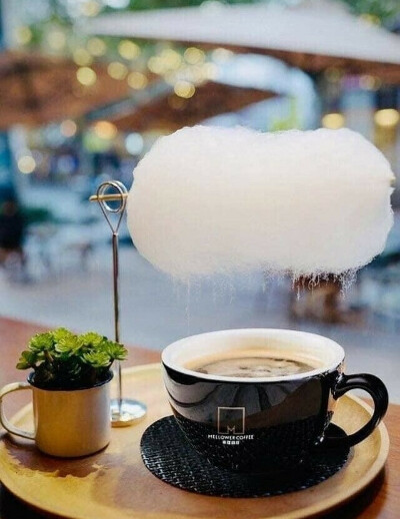 Кофе с облачком сливок,ну хотя бы сладкой ваты