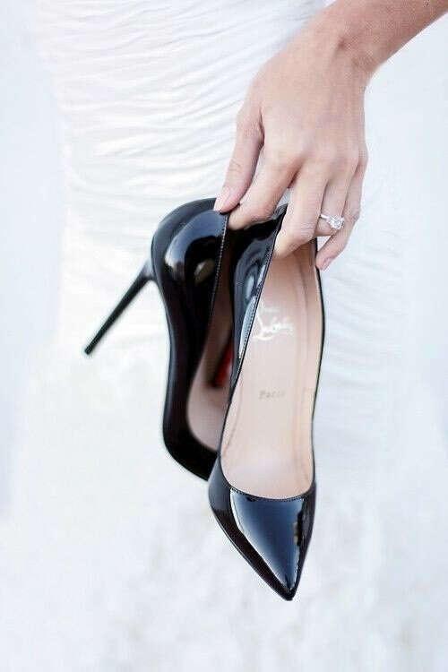 Классические лаковые туфли-лодочки