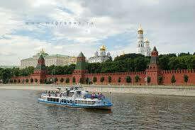 Покататься по Москве-реке на кораблике