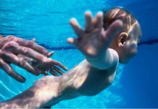 Научиться плавать!