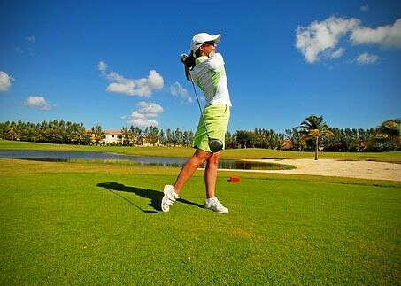 Сыграть в гольф