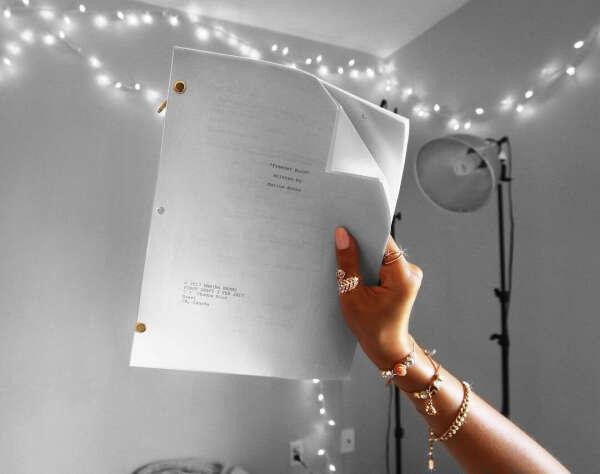 Написать сценарий к полнометражному фильму
