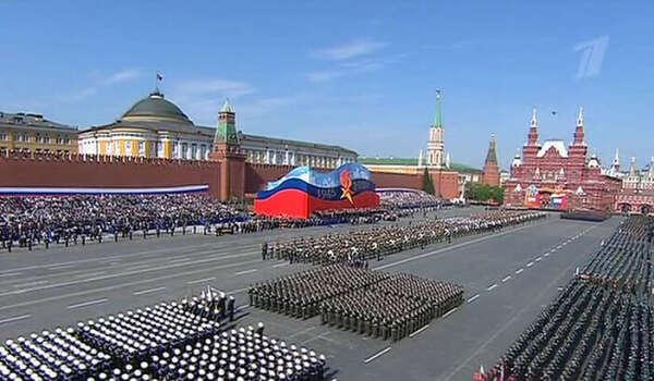 увидеть парад в честь Дня Победы в Москве