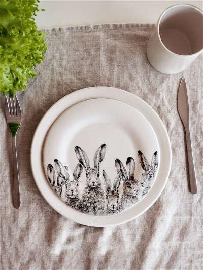 Тарелка «Зайцы выглядывают»