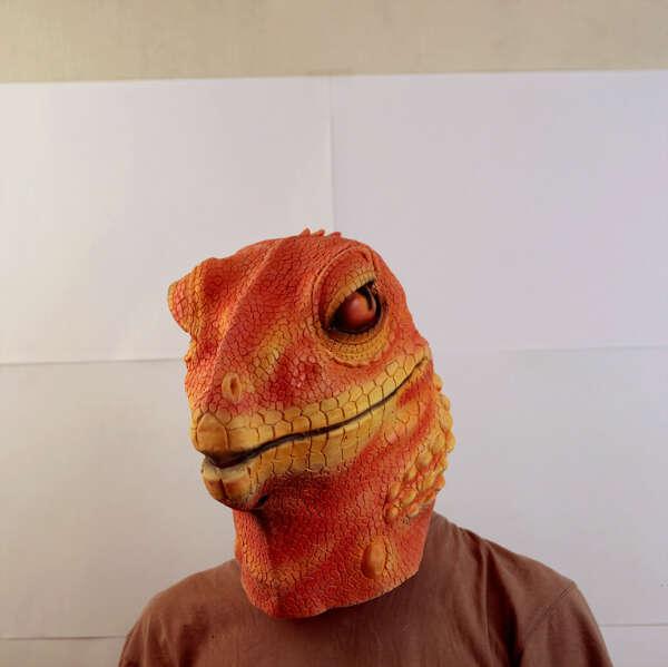 Маска рептилии оранжевая