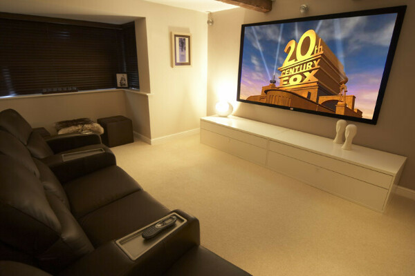 Телевизор на стену
