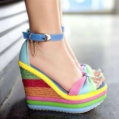женщин многоцветные платформе на танкетке сандалии цепочка лодыжки ремень насосы сандалии туфли-