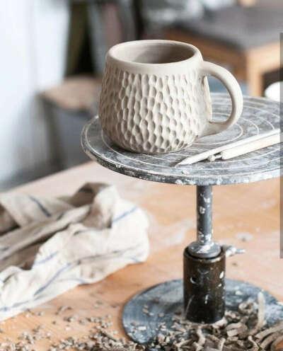 Посетить мастер класс по керамике и сделать кружечку своей мечты:)